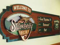 Strawberry_Inn_sign